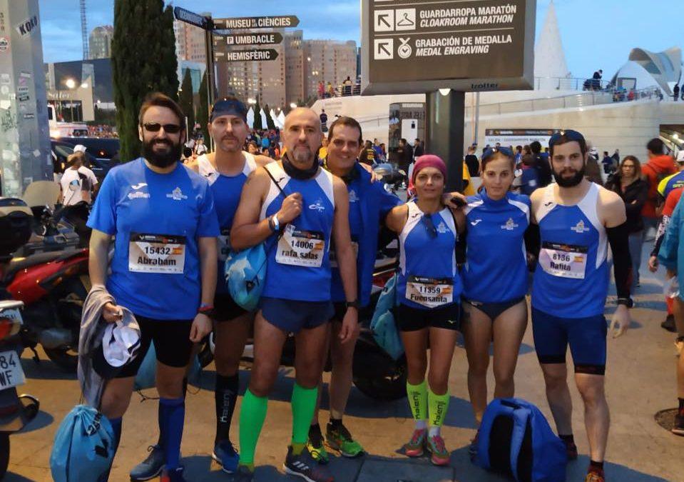 Nuestros maratonianos y maratonianas se vuelven de Valencia con grandes marcas